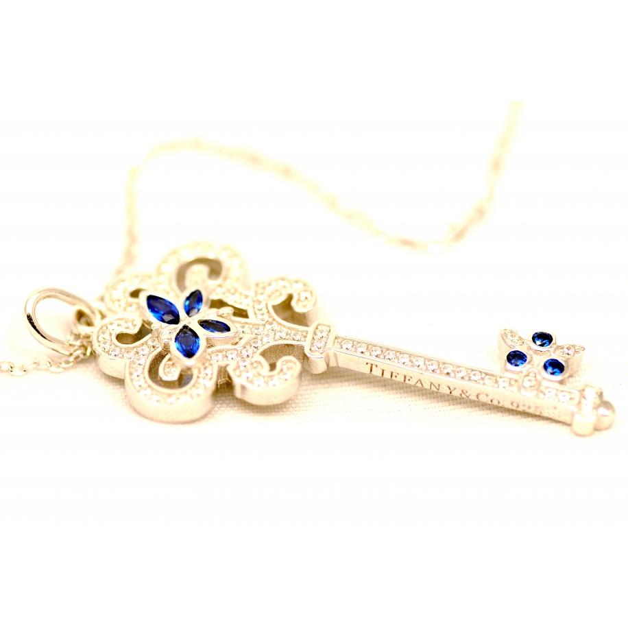 Подвеска серебряная Tiffany средний белый ключ синие бабочки камни swarovski