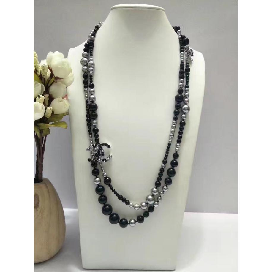 Черно - Серое Колье Chanel черно - серые жемчужины