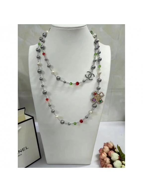 Серое Колье Chanel серо - белые жемчужины крестики нолики