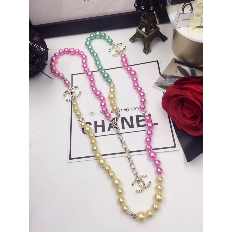 Разноцветное Колье Chanel звезды розово - желто - зеленые