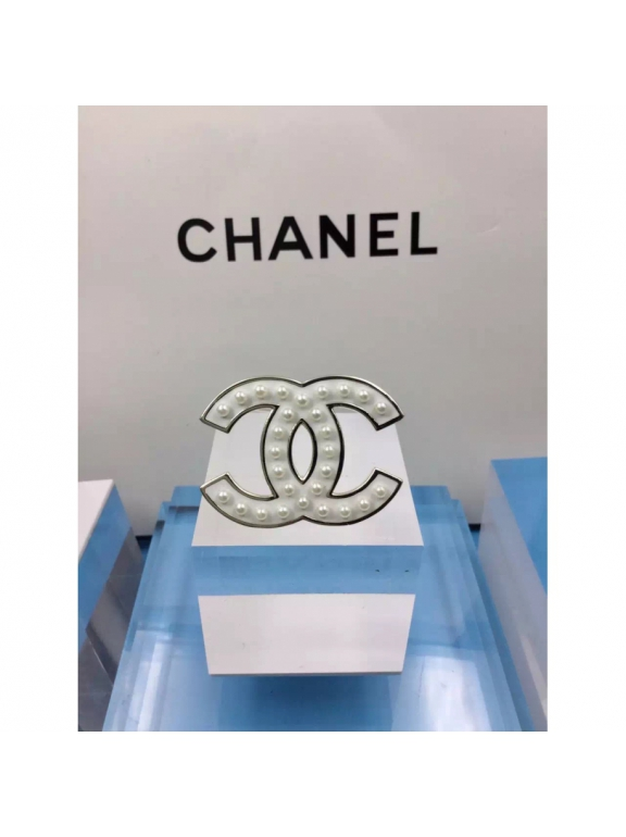 Белая Брошка Chanel белый значок эмаль жемчужинки