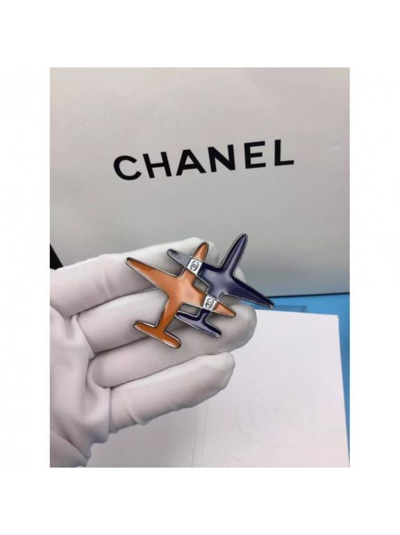 Белая Брошка Chanel самолеты эмаль сине - оранжевые