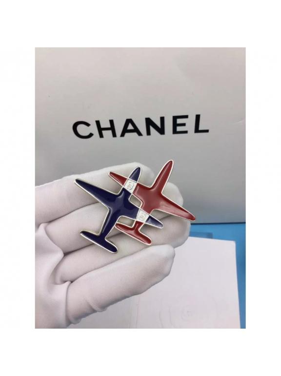 Золотая Брошка Chanel самолеты эмаль сине - красные в золоте