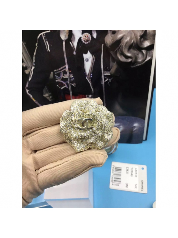 Золотая Брошка Chanel золотой цветок камни