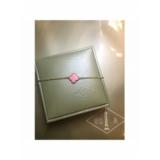 Розовый Браслет Van Cleef & Arpels один цветочек в золоте