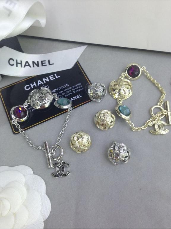 Белый браслет Chanel разноцветные камни