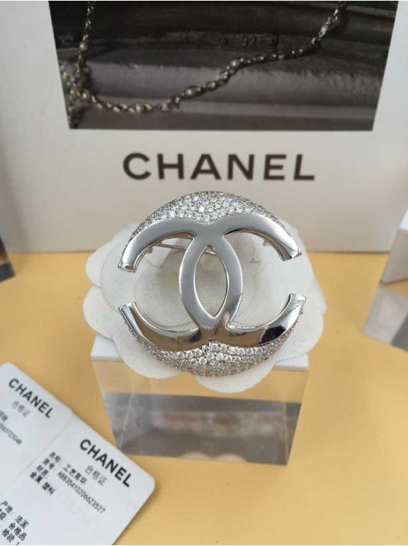 Белая Брошка Chanel значок белый камни