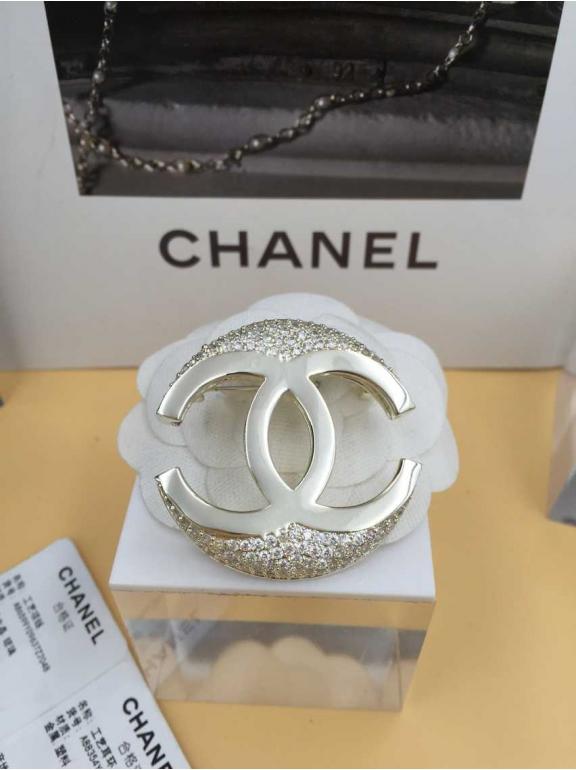 Золотая Брошка Chanel значок золотой камни
