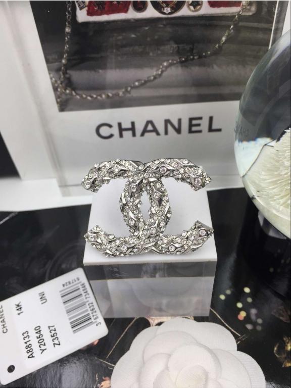 Белая Брошка Chanel белый значок камни