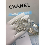 Золотая Брошка Chanel значок золотые звезды камни