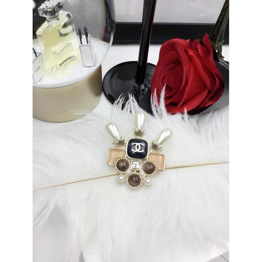 Золотая Брошка Chanel трезубец жемчужинки золотой