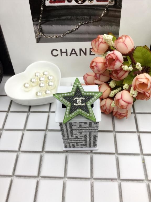 Зелено - черная брошка Chanel звезда