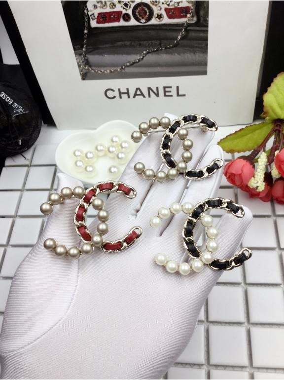 Матово - Черная брошка Chanel