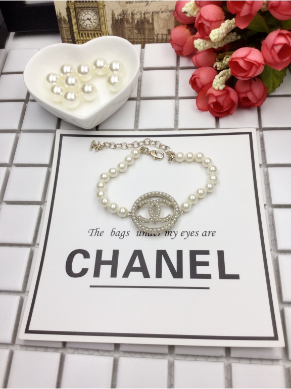 Золотой Браслет Chanel белые жемчужинки