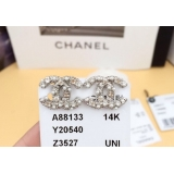 Белые Серьги Chanel камни жемчужинки