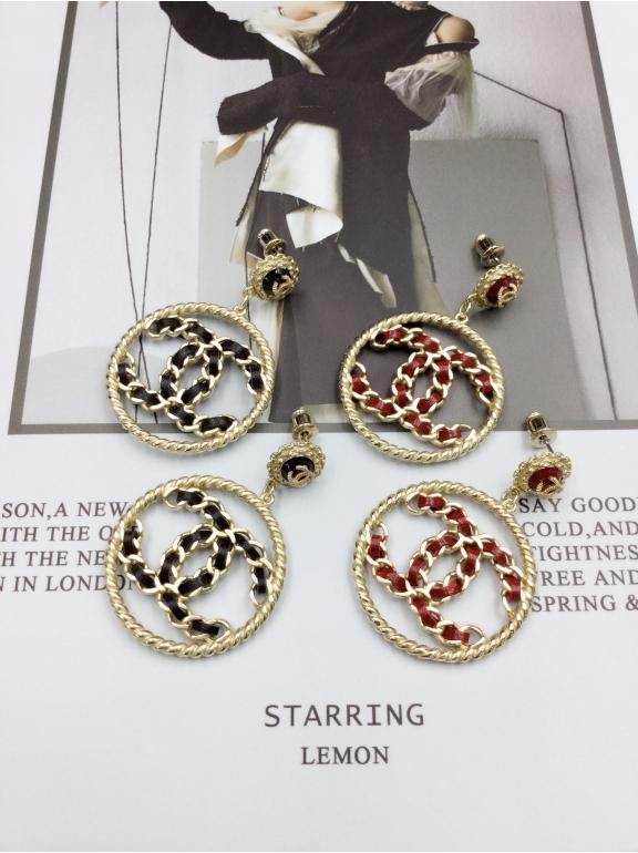 Золотые Серьги Chanel круг черный кожаный значок