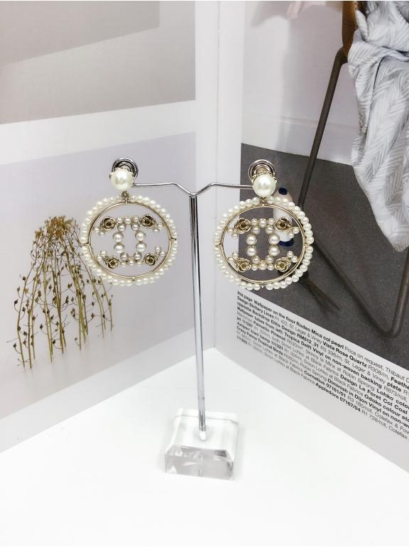Золотые Серьги Chanel круг значок жемчужинки золотые цветы