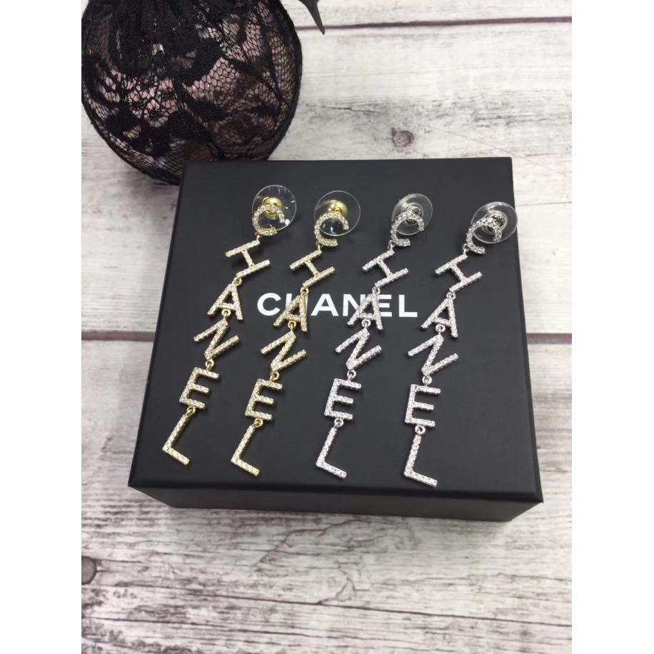 Белые Серьги Chanel буквы chanel камни