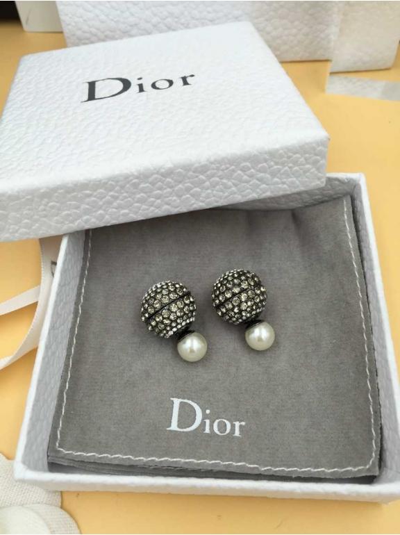 Серьги Christian Dior пусеты бело - серые камни жемчужинка