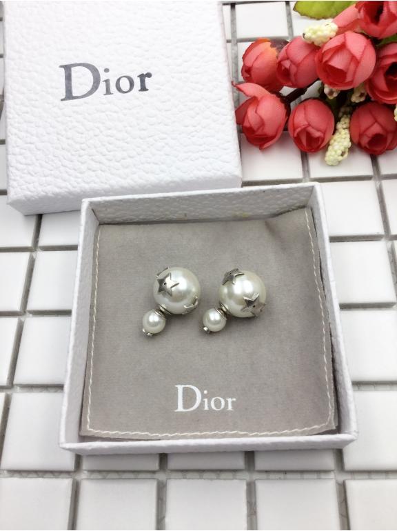 Серьги Christian Dior пусеты звезды