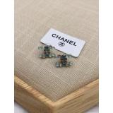 Золотые серьги Chanel значок голубые камни
