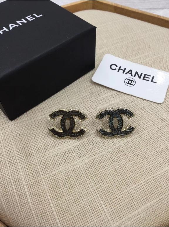 Золотые серьги Chanel черный значок жемчужинки