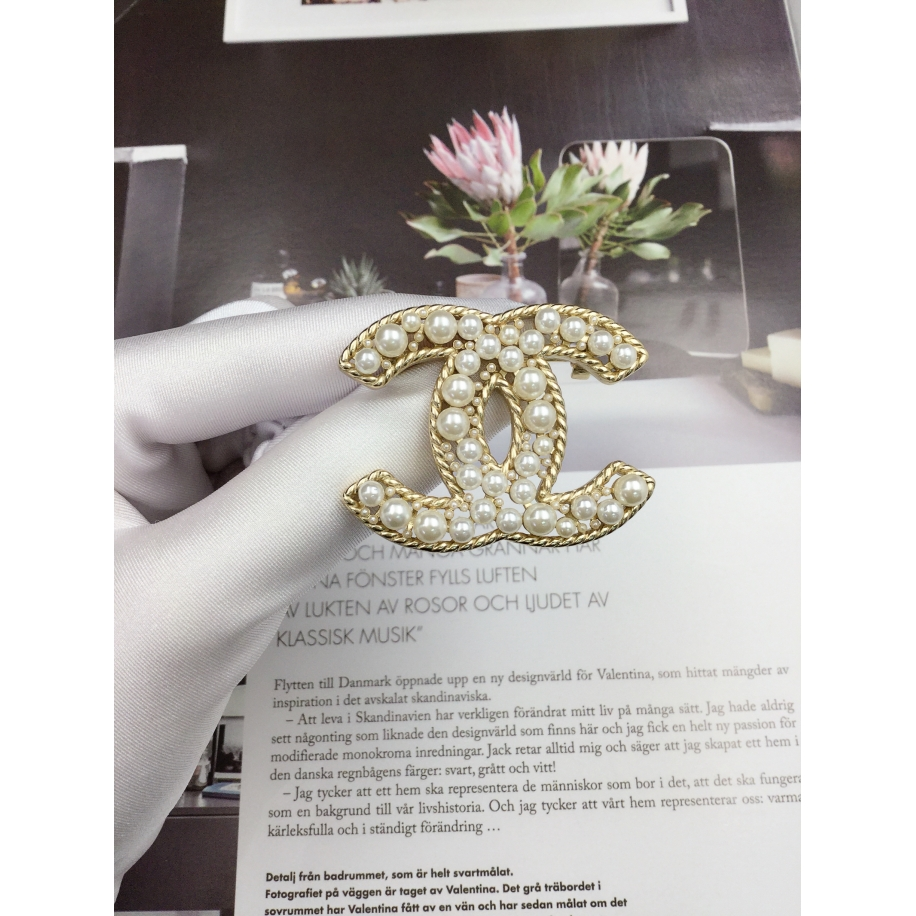 Золотая Брошка Chanel значок жемчужинки
