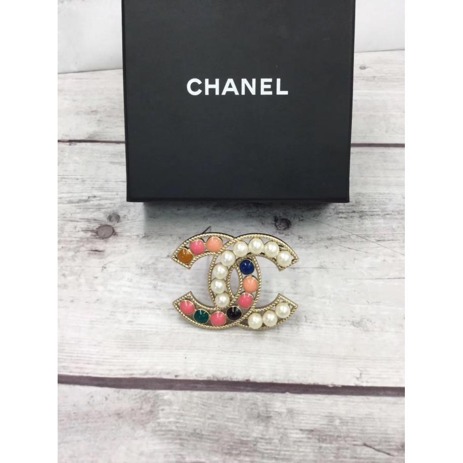 Золотая Брошка Chanel значок жемчужинки разноцветная эмаль