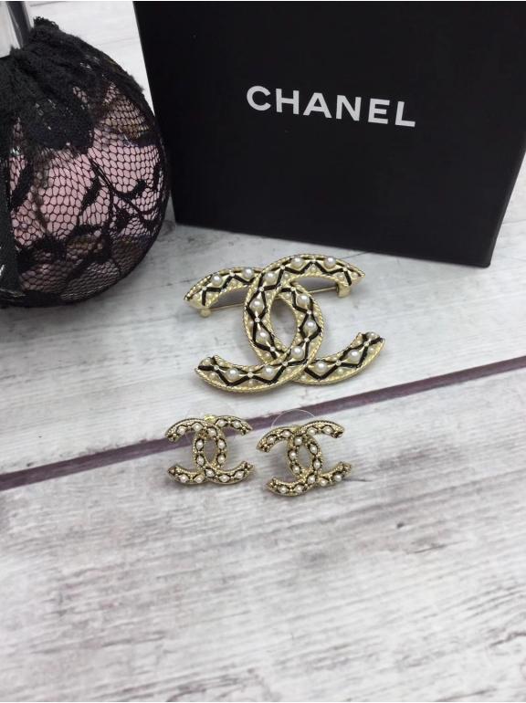 Chanel значок жемчужинки камни