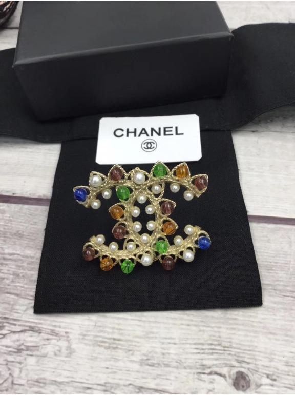 Золотая Брошка Chanel жемчужинки разноцветные камни