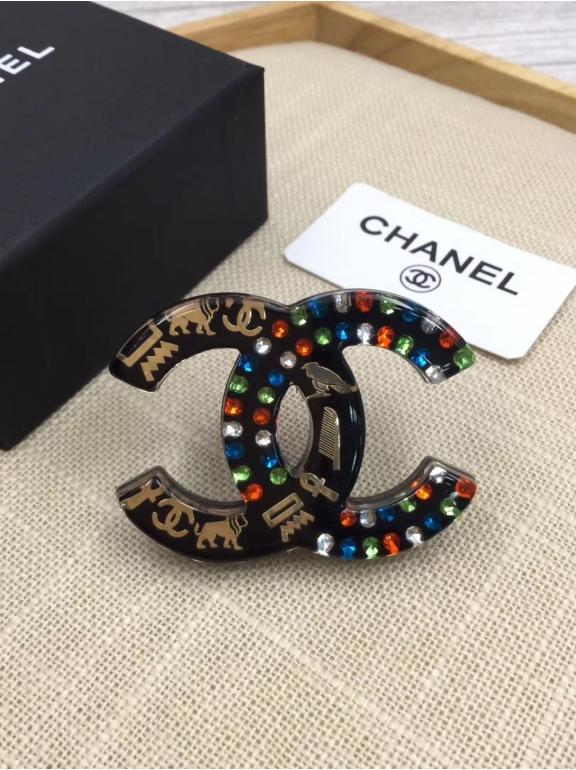 Черная Брошка Chanel разноцветные камни