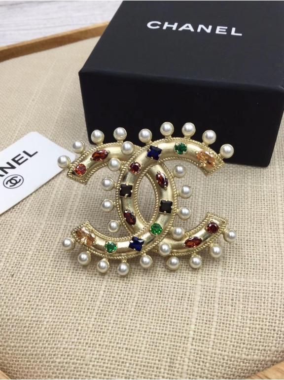 Брошка Chanel жемчужинки разноцветные камни
