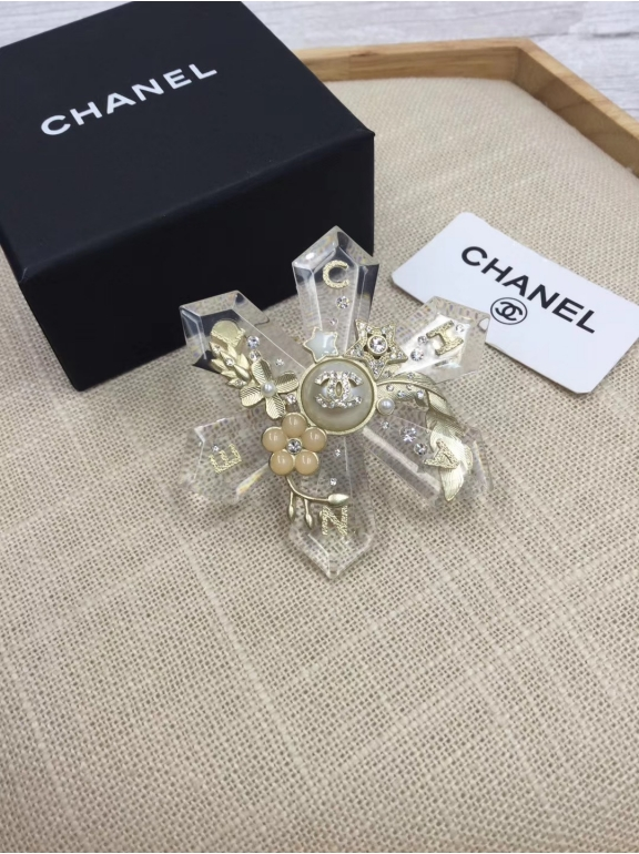 Прозрачная Брошка Chanel снежинка