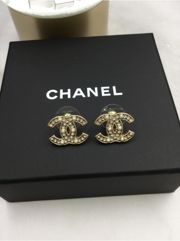 Серьги Chanel значок камни жемчужинки