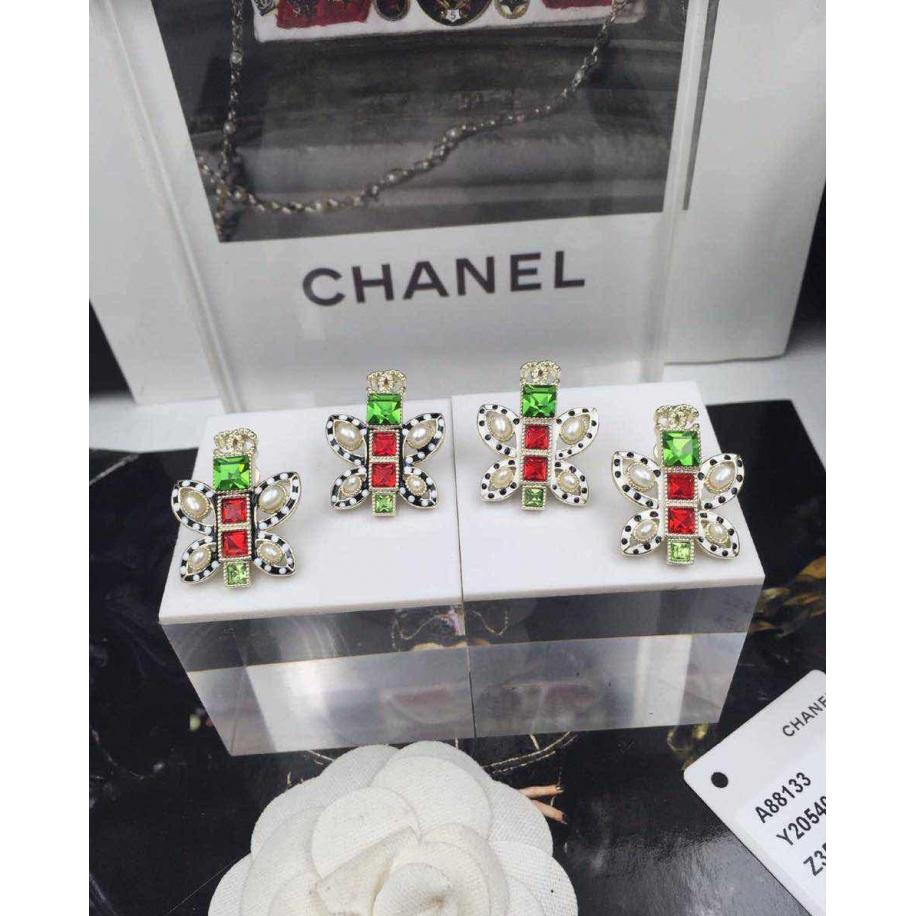 Белые серьги Chanel эмаль камни жемчужинки