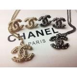 Черная подвеска Chanel жемчужинки