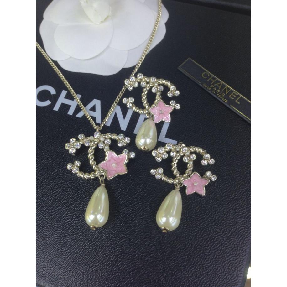 Золотая подвеска Chanel розовый цветок эмаль жемчужинка