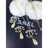 Золотая подвеска Chanel черный цветок эмаль жемчужинка