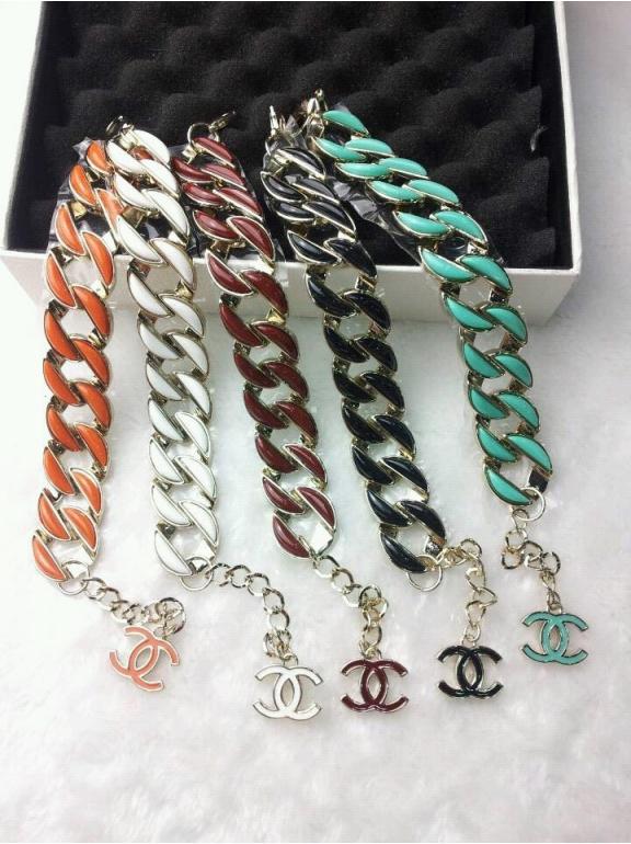 Белый браслет Chanel