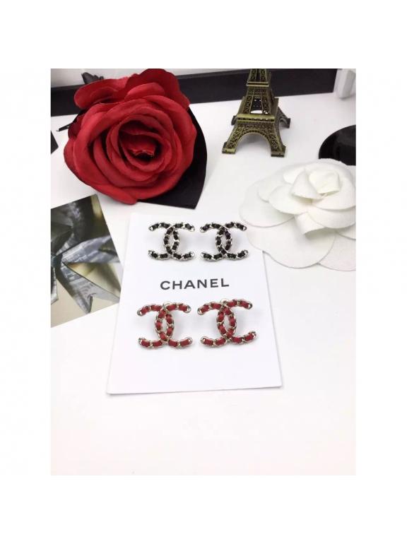 Черные Серьги Chanel черный кожаный значок