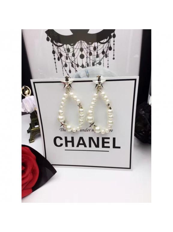 Белые серьги Chanel звезды белые жемчужинки
