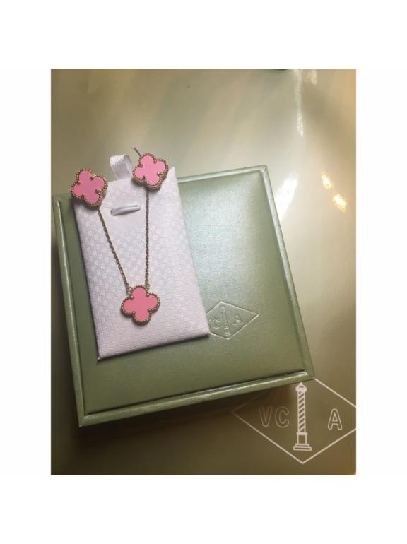 Розовые Серьги Van Cleef & Arpels в золоте
