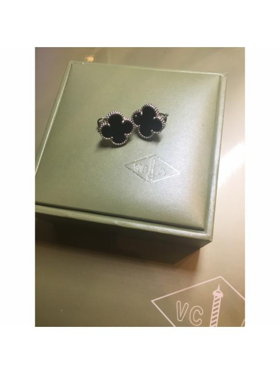 Средние Черные Серьги Van Cleef & Arpels в белом
