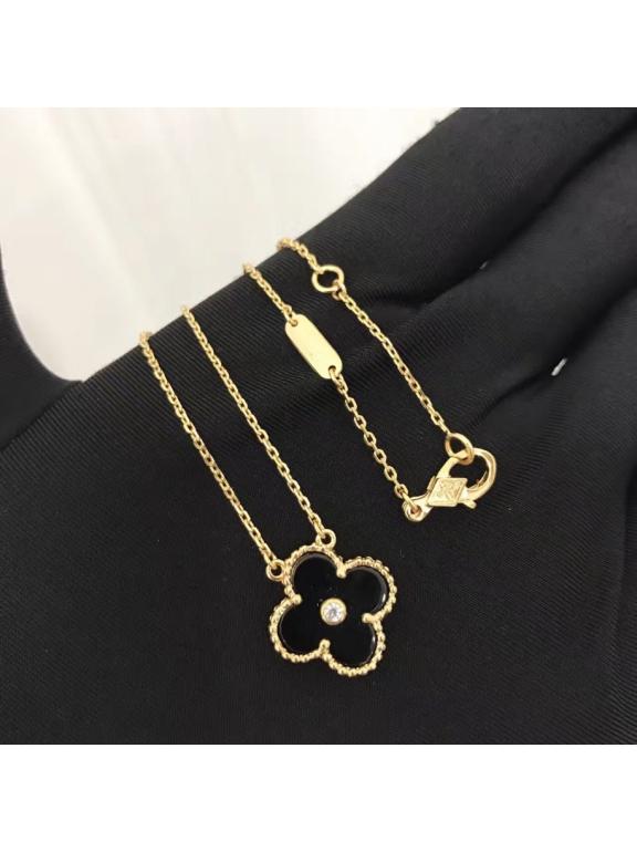 Черная Подвеска Van Cleef & Arpels один черный цветочек камушек в золоте