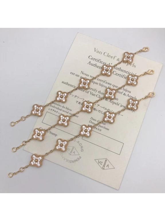 Золотой Браслет Van Cleef & Arpels камни пять цветочков в белом