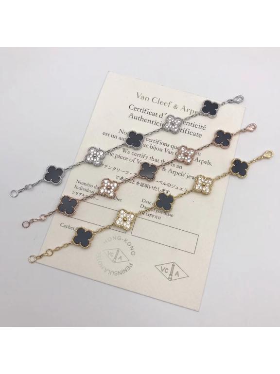 Черный Браслет Van Cleef & Arpels пять цветочков - камни в золотом