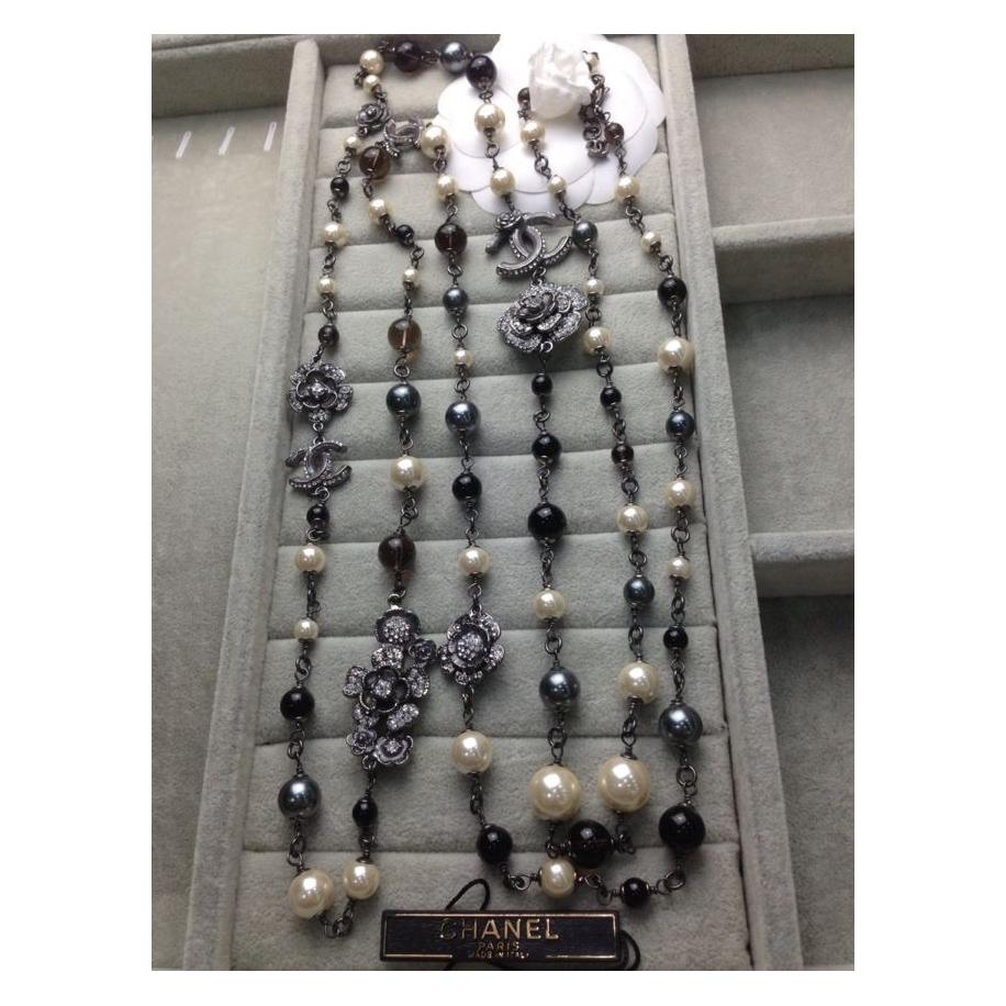 Колье Chanel Черно - Белый Жемчуг Черные Цветы
