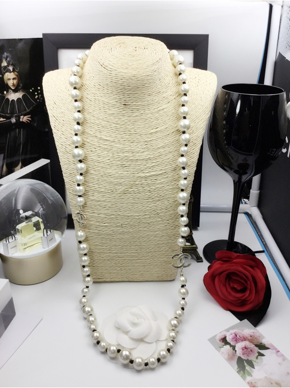 Колье Chanel Белые Жемчужинки Черная Нитка