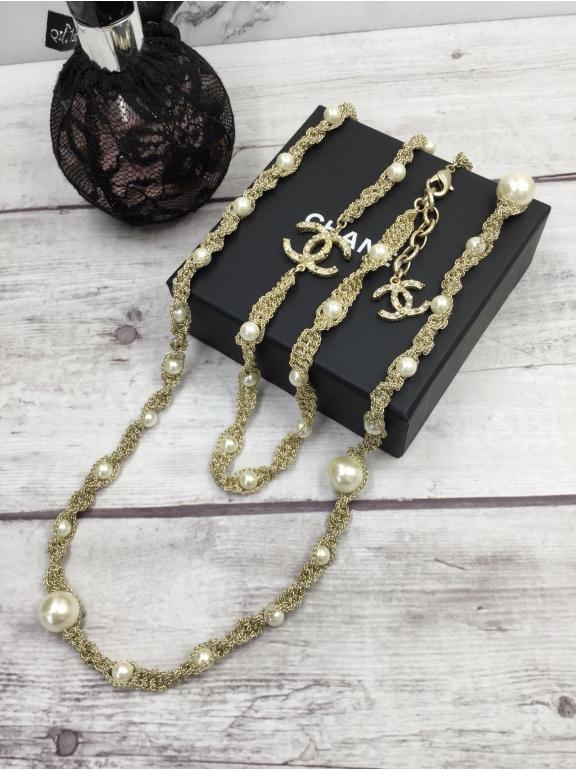 Колье Chanel Золотое Плетение Жемчужинки Значки Камни