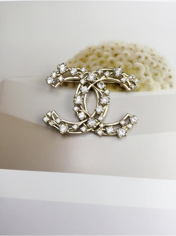 Золотая Брошка Chanel камни